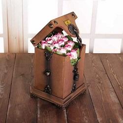 صندوقچه پرچین لیان 16 شاخه گل رز هلندی فوق ممتاز لب ماتیکی