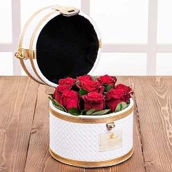 صندوقچه گل الماس سفید 9 شاخه گل رز هلندی