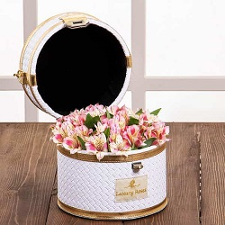 صندوقچه الماس سفید با گل آلسترومریا