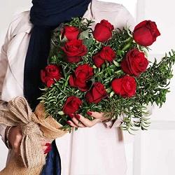 دسته گل رز قرمز کلاسیک