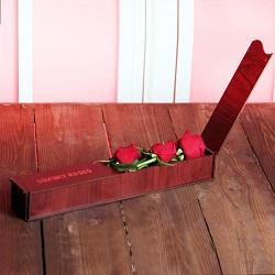 جعبه گل علاقه و سپاس 3 شاخه رز هلندی