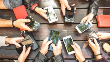 ویژگیهای گوشی موبایل برای دانش آموزان و دانشجویان