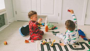 ویژگیهای اسباب بازی برای هر رده سنی