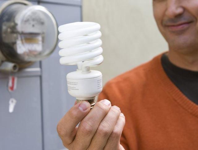 چرا لامپ کم مصرف استفاده کنیم؟